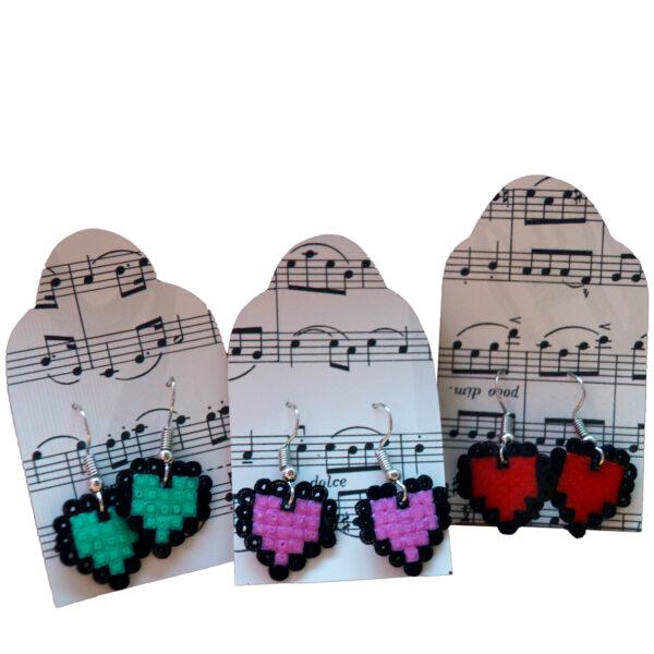 Ohrringe aus Mini Bügelperlen Herz Liebe Bunt