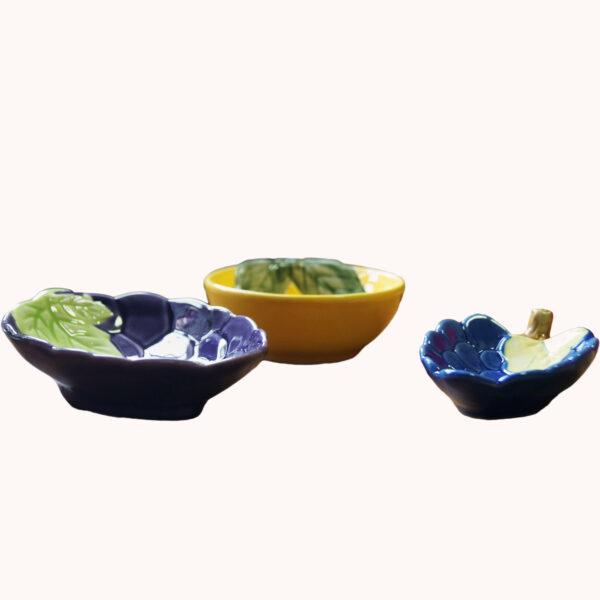 Schalen in Form von Obst