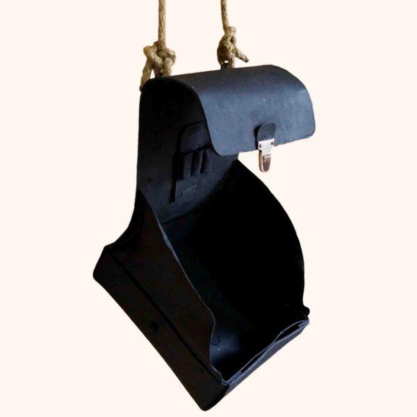 Eine alte DDR Sani-Tasche die zu einer modernen, kleinen Hängetasche wurde, Upcycling, Tabula Grasa