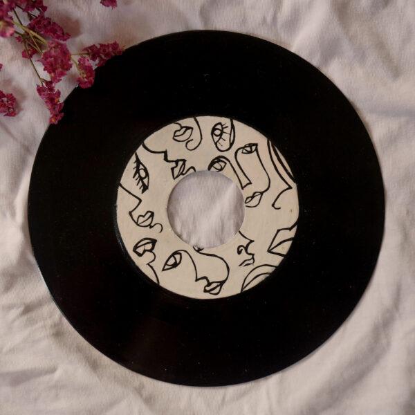 Schallplatten Upcycling dekorativ und kunstvoll. Tabula Grasa.